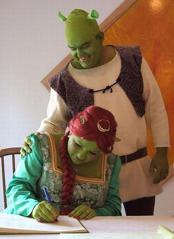They got married as cartoon characters (5 pics)