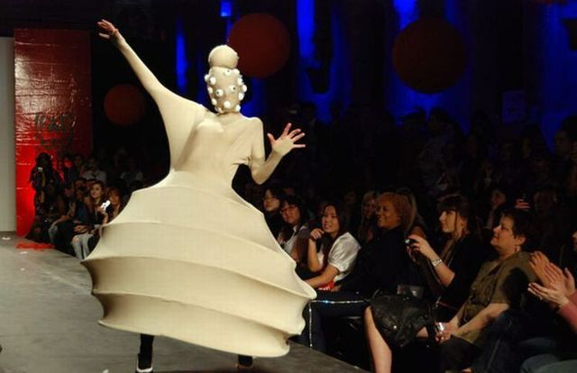 Fashion designers go nuts ;) (14 pics)