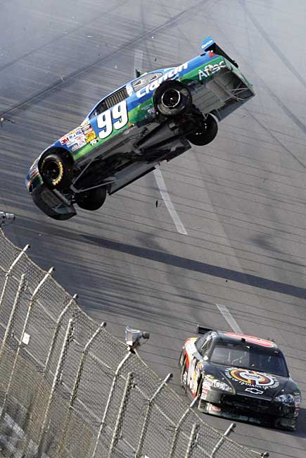 Terrifying accident during the NASCAR race in Talladega (18 pics + 1 video)