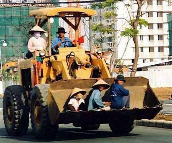 Transporting in Asian way (23 pics)