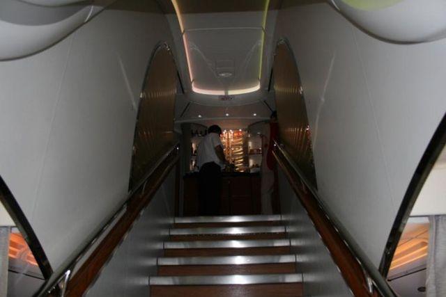 On board Emirates A380 (41 pics)