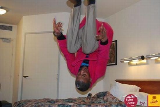 Bed-Jumping (15 pics)