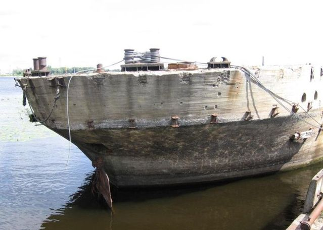 Boats made from concrete (13 pics)