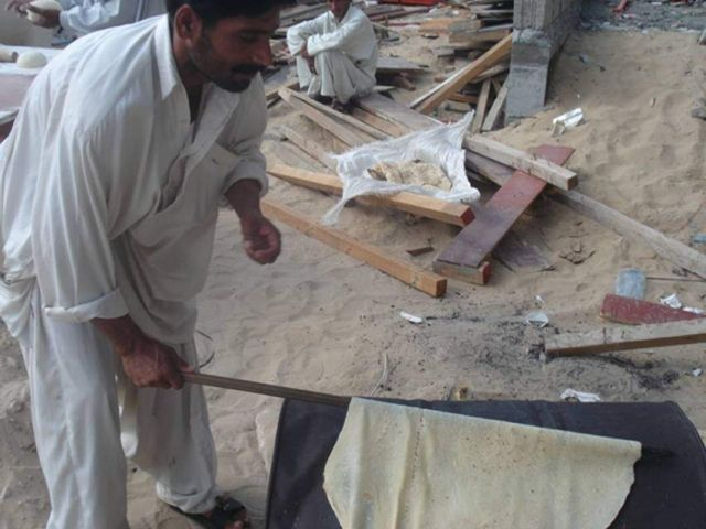 How do they do lavash in Pakistan (14 pics)