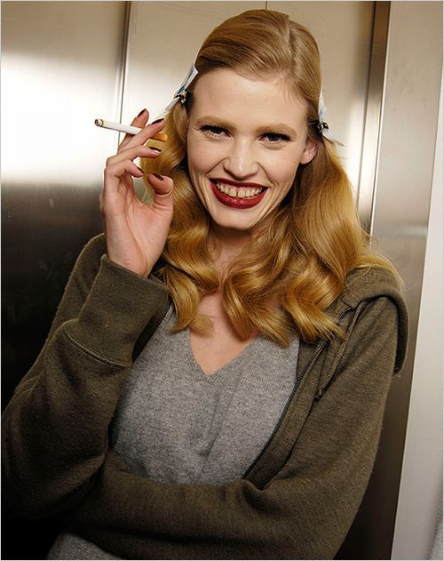 Photo model Lara Stone (25 pics)
