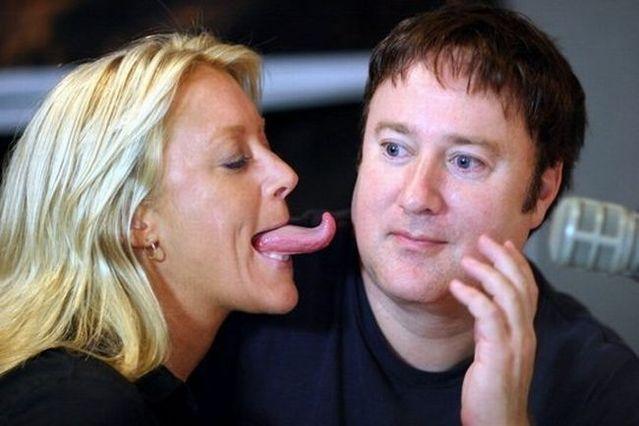 Scary tongue (16 pics + 1 video)