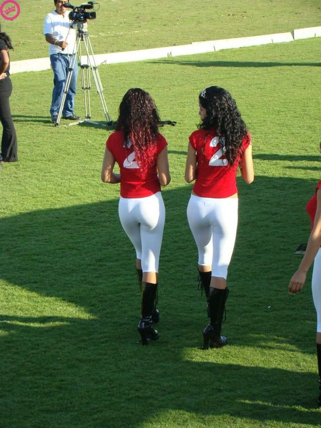 Why it is worth attending cricket in Panama (8 pics)