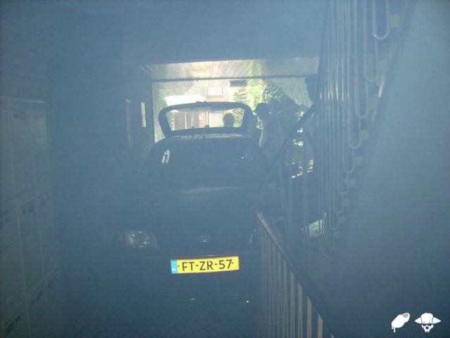 Old lady crashed into an apartment building! (18 pics)