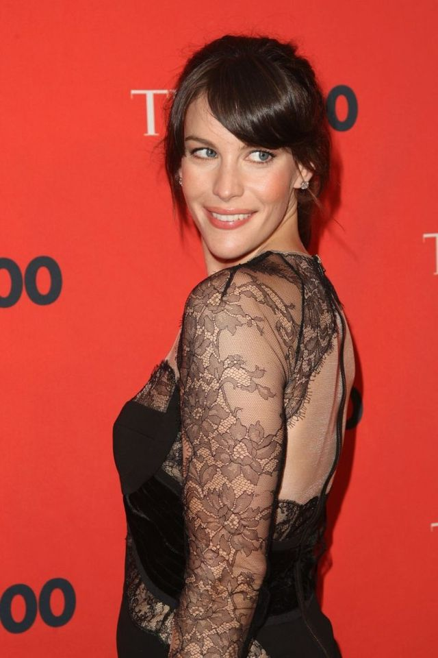 Liv Tyler influential and beautiful (6 pics)