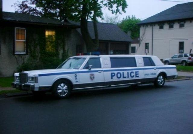 Police limousine (3 pics)