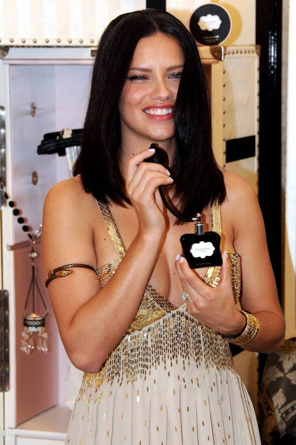 Adriana Lima (8 pics)