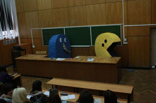 Pac-man in Moscow (15 pics)