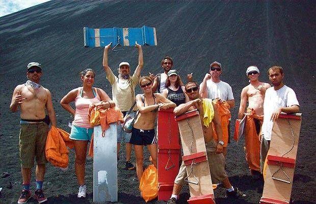 Volcano boarding (18 pics)