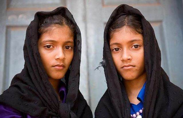 Village of twins (11 pics)