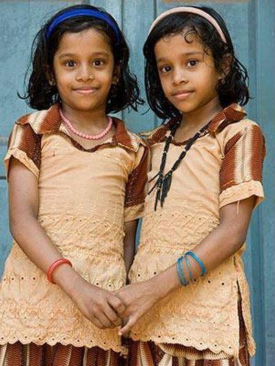 Village of twins (11 pics)