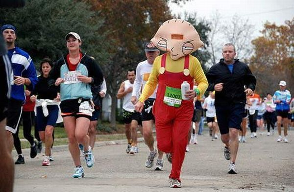 The most hilarious costume race ever (20 pics)