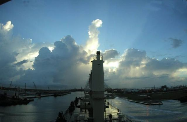 Great views from a cargo ship (35 pics)