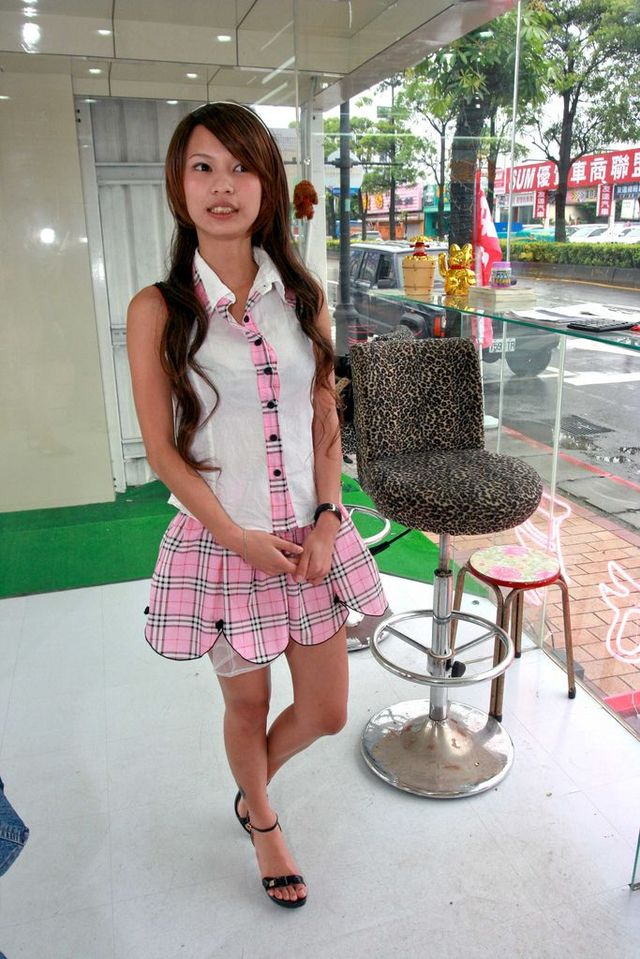 Incredible Taiwanese culture - Betel nut girls (53 pics