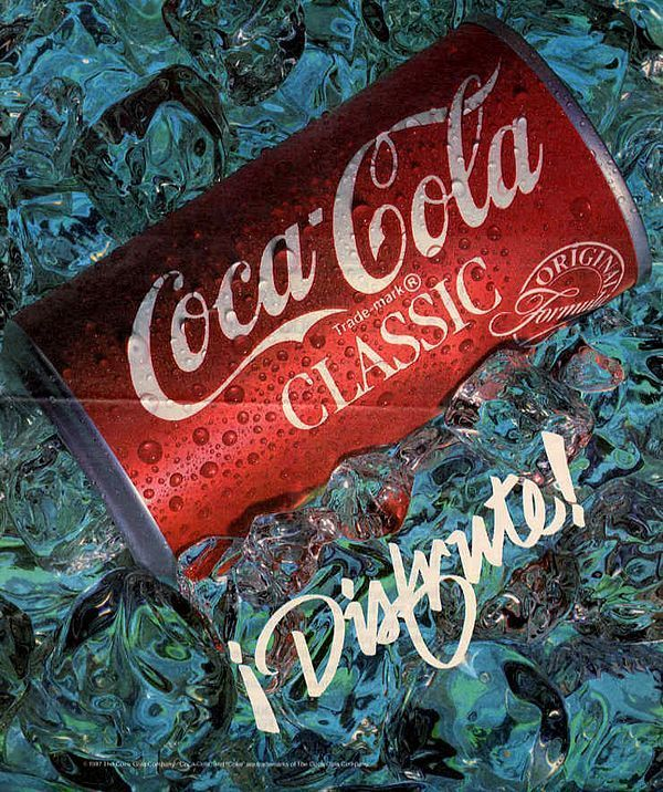 Retracing Coca Cola's history through its ads (50 pics)