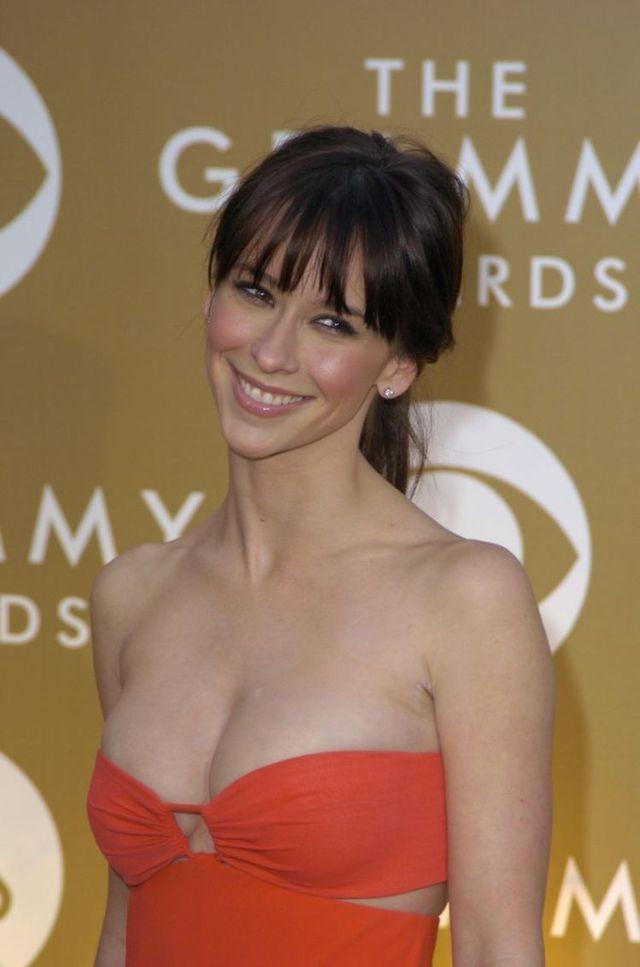 Jennifer Love Hewitt (6 pics)