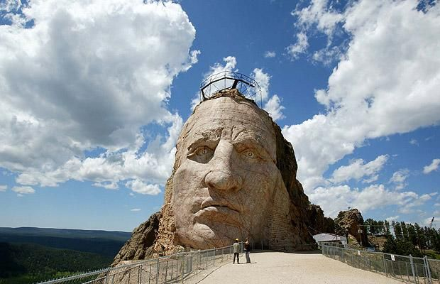 Giant sculptures and monuments carved directly into the rock (12 pics)