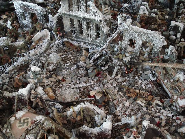 Detailed reproduction of Battle of Stalingrad (37 pics)