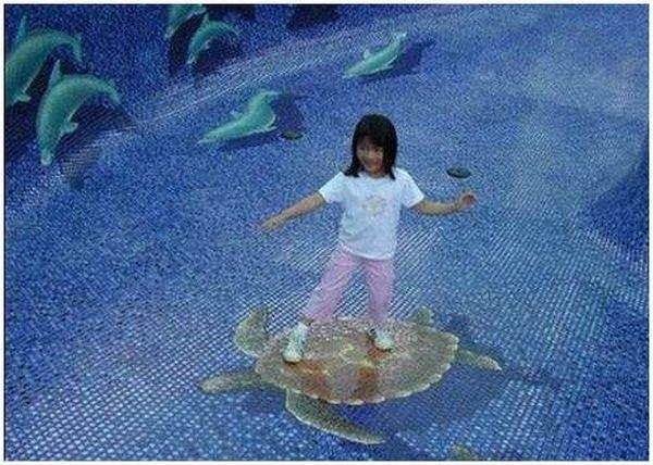 Great 3D swimming pool!! (9 pics)