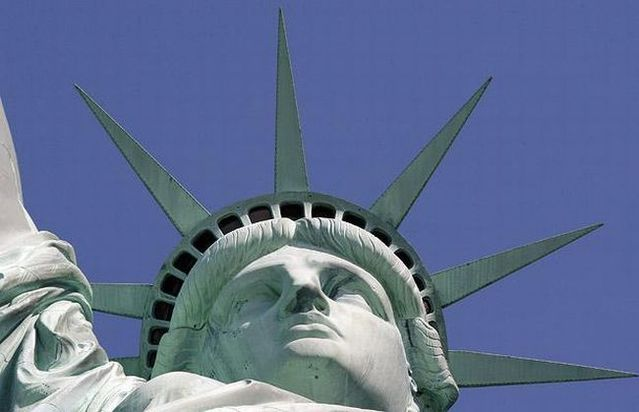 Would you like to climb into the crown of the Statue of Liberty? (27 photos)
