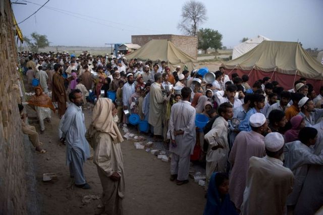 Innocent victims of the military operation in Pakistan (22 photos)