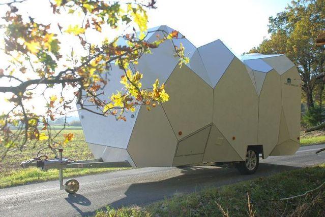 Customized Caravan (8 pics)
