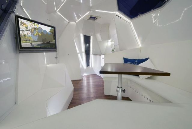 Customized Caravan (8 pics)