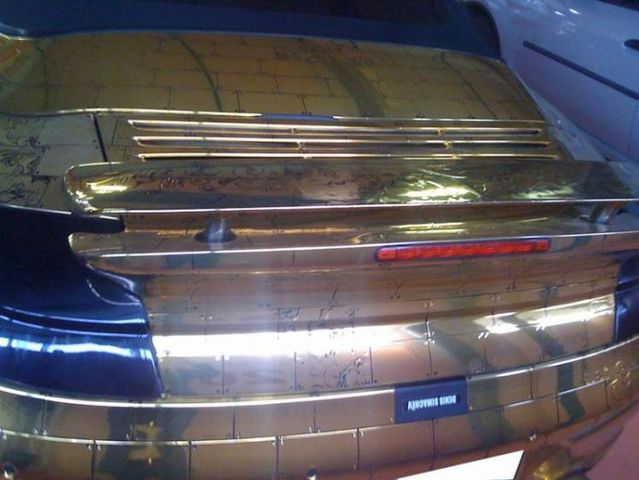 Golden Porsche from Russia with love (19 pics)