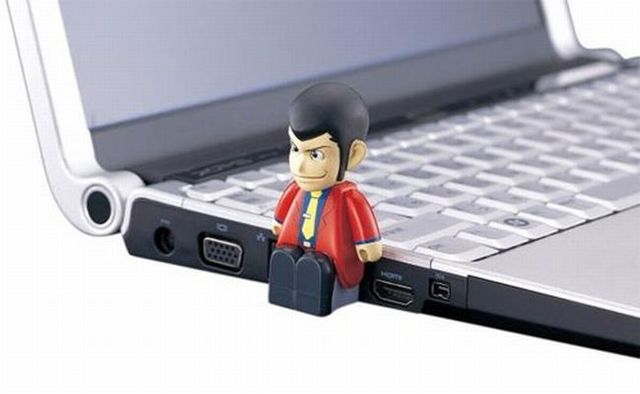 Creative USB flash drive (35 pics)