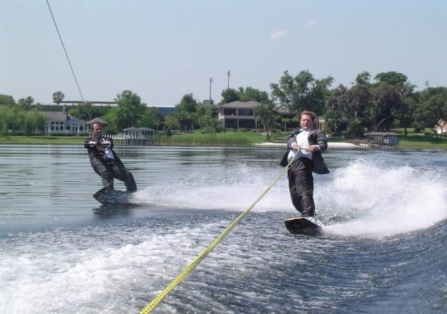 Business style wakeboarding  (24 pics)