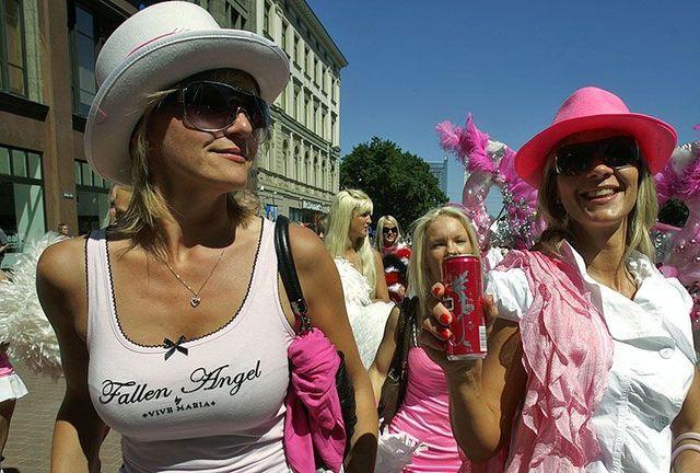 Blond Day in Riga (12 pics)