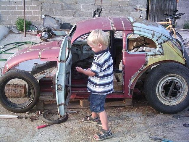 Son, you wanna car? So come help daddy! (34 pics)
