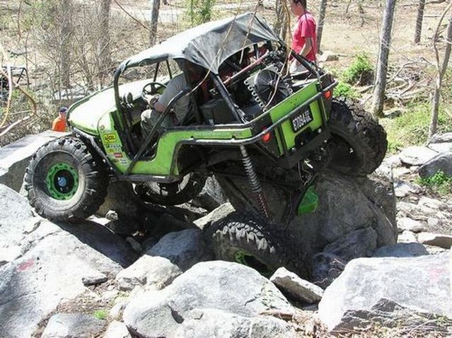 Impressive off-road Jeeps (21 photos)