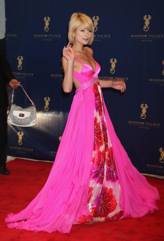 Paris Hilton at Mardan Palace Launch (7 pics)