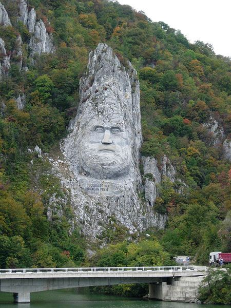 Living Rock – Massive monuments sculpted in situ (13 pics)