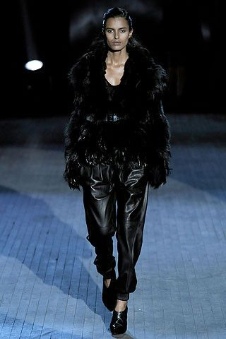 Extravagant And Gothic Fashion Show 40 Pics