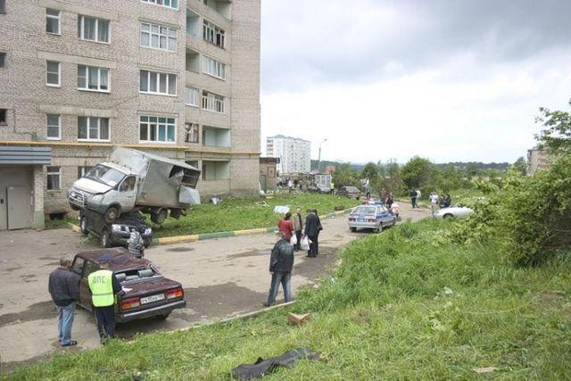 The consequences of a tornado in Krasnozavodsk  (21 photos + 2 videos)