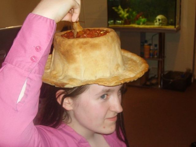 How to make a nacho hat? (8 pics)