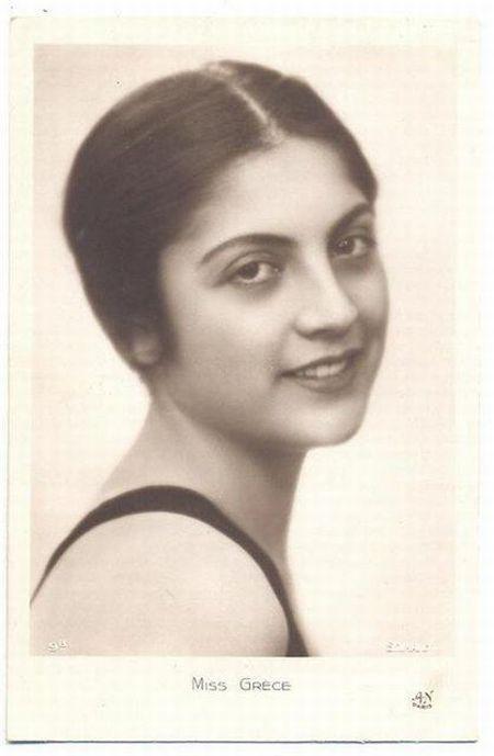 Former beauty contest participant (13 pics)