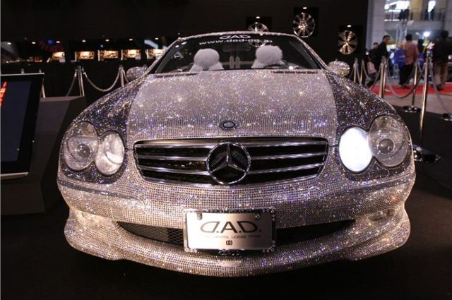 Mercedes for glamorous blonds (13 pics)