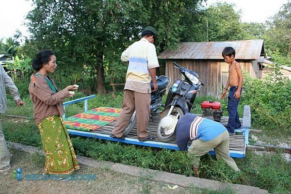 Transport for the poor in Cambodia (15 pics)