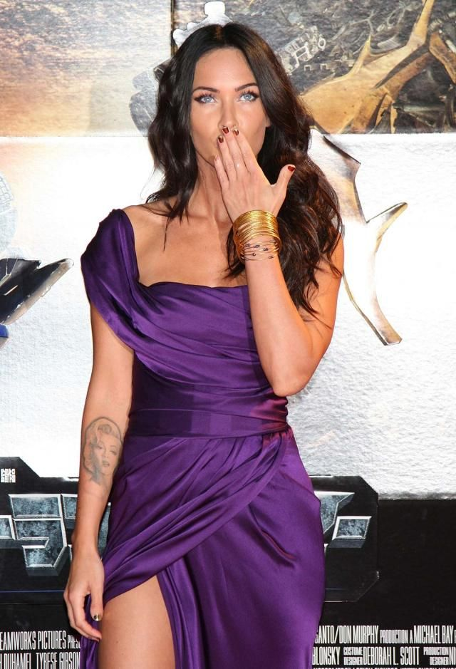 Megan Fox at the Japanese Transformers 2 Premiere (17 pics)