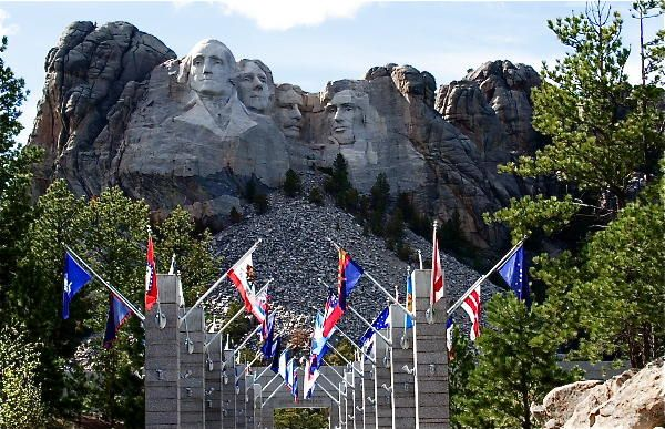 Mount Rushmore and Crazy Horse Memorial (17 pics)