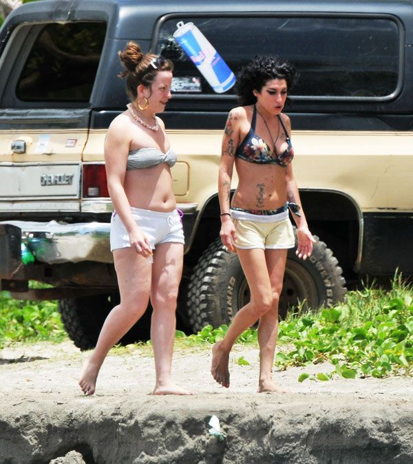 Amy Winehouse and her bikini of the day (12 pics)