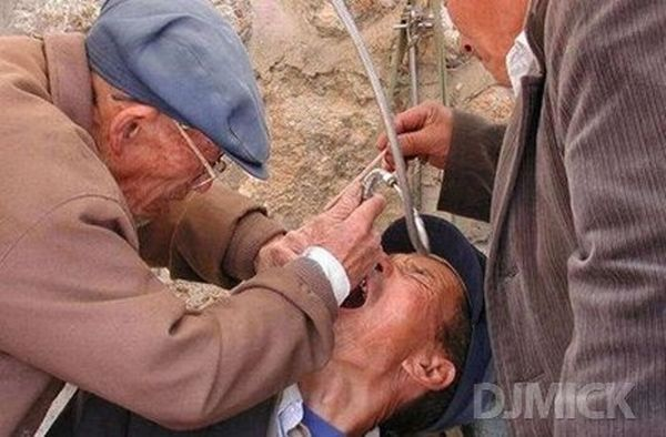 Street Dentists in Asia (40 pics)