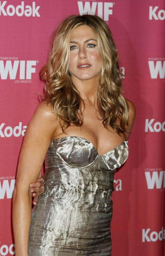 Jennifer Aniston (9 pics)